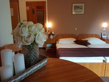 Grabovac, Спальня в размещении типа room, Домашние животные допускаются и WiFi.