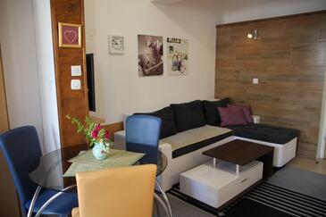Zadar - Diklo, Woonkamer in the apartment, WiFi.