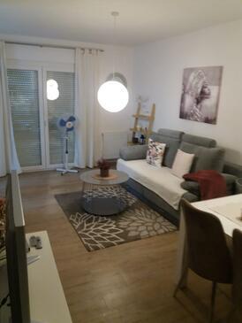 Samobor, Sala de estar in the apartment, (pet friendly) y WiFi.