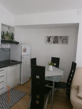 Samobor, Jídelna v ubytování typu studio-apartment, domácí mazlíčci povoleni a WiFi.