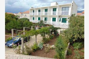 Apartments and rooms by the sea Sućuraj, Hvar - 12887
