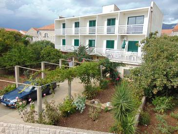 Sućuraj, Hvar, Objekt 12887 - Apartmani i sobe blizu mora sa šljunčanom plažom.