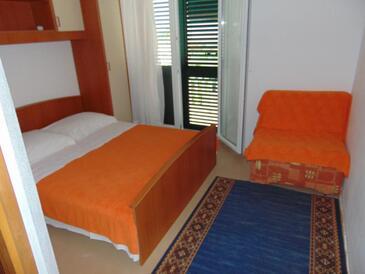 Sućuraj, Spavaća soba u smještaju tipa room, kućni ljubimci dozvoljeni i WiFi.