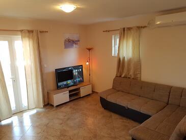 Kanica, Dnevna soba v nastanitvi vrste apartment, dostopna klima in WiFi.