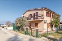 Apartments with a parking space Peroj (Fažana) - 12900