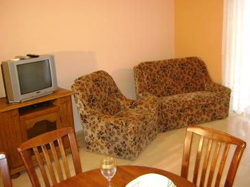 Lokva Rogoznica, Living room in the apartment, air condition available and WiFi.