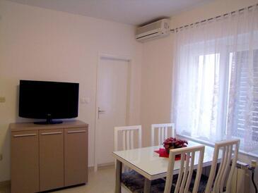 Baška Voda, Obývací pokoj v ubytování typu apartment, dostupna klima, dopusteni kucni ljubimci i WIFI.