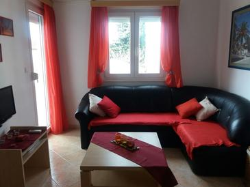 Seget Vranjica, Living room in the apartment, air condition available and WiFi.