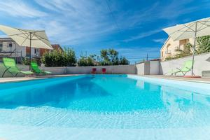Family friendly apartments with a swimming pool Privlaka (Zadar) - 12922
