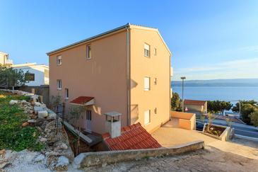 Stanići, Omiš, Property 12929 - Apartments near sea with pebble beach.
