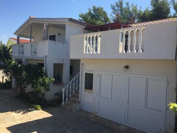 Vir, Vir, Объект 12948 - Апартаменты с галечным пляжем.