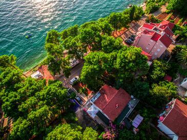 Zaostrog, Makarska, Объект 12951 - Апартаменты вблизи моря с галечным пляжем.