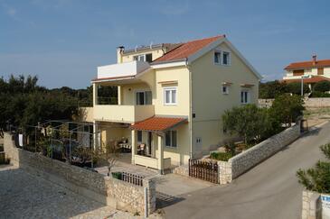 Mandre, Pag, Объект 12969 - Апартаменты вблизи моря с галечным пляжем.