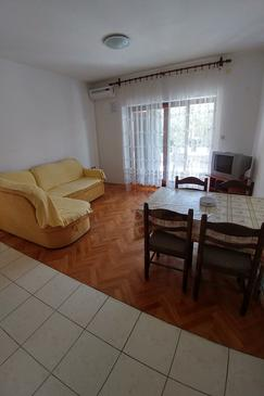 Novalja, Sala de estar in the apartment, air condition available y WiFi.