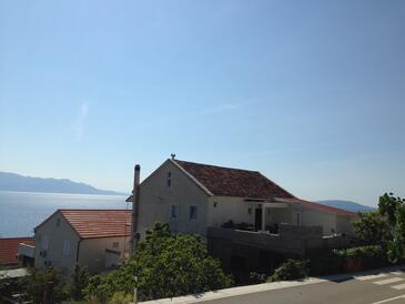 Brist, Makarska, Objekt 13011 - Ubytování v blízkosti moře s oblázkovou pláží.