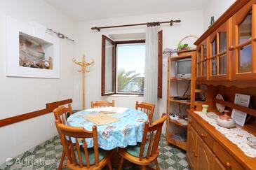 Rogoznica, Столовая в размещении типа apartment, доступный кондиционер, Домашние животные допускаются и WiFi.