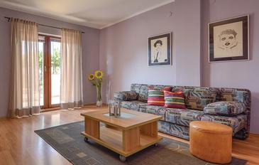 Pula, Living room in the apartment, (pet friendly) and WiFi.