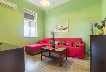 Pula, Camera de zi în unitate de cazare tip apartment, aer condiționat disponibil şi WiFi.