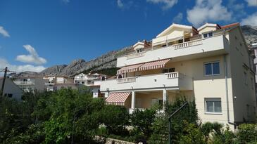 Nemira, Omiš, Property 13055 - Apartments near sea with pebble beach.