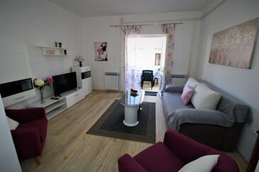 Pag, Living room in the apartment, (pet friendly) and WiFi.