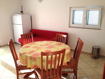 Rtina - Miočići, Столовая в размещении типа apartment, доступный кондиционер и WiFi.