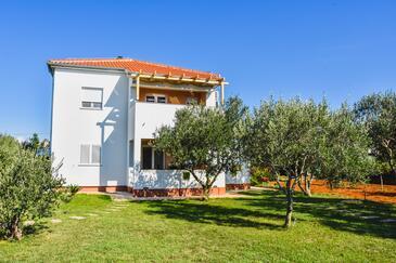 Zaton, Zadar, Objekt 13093 - Apartmani sa pješčanom plažom.