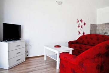 Novi Vinodolski, Obývací pokoj v ubytování typu apartment, s klimatizací, domácí mazlíčci povoleni a WiFi.