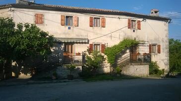Veli Mlun, Središnja Istra, Objekt 13099 - Ubytování s oblázkovou pláží.