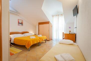 Brela, Спальня в размещении типа room, доступный кондиционер и WiFi.