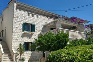 Apartments by the sea Bol, Brač - 13121