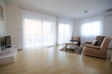 Zadar, Living room in the apartment, air condition available, (pet friendly) and WiFi.