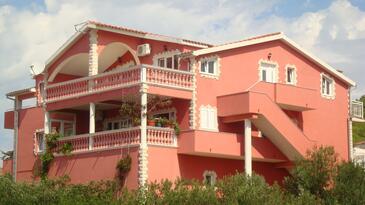Tribunj, Vodice, Property 13137 - Apartments with pebble beach.
