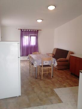 Nin, Jídelna v ubytování typu apartment, WiFi.