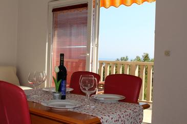 Sveta Nedilja, Comedor in the apartment, air condition available, (pet friendly) y WiFi.