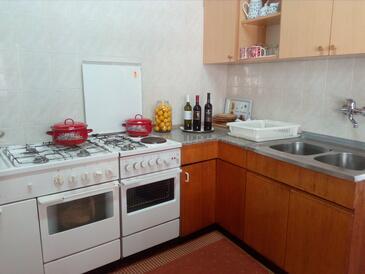 Broce, Kuchyňa v ubytovacej jednotke apartment, WIFI.