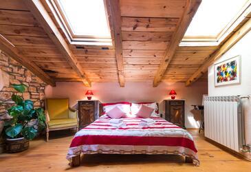 Bratulići, Ložnice v ubytování typu room, dostupna klima i WIFI.