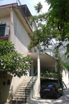 Gradac, Makarska, Property 13196 - Apartments with pebble beach.