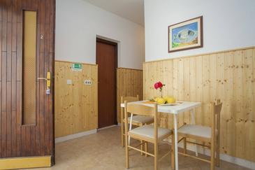 Gršćica, Jídelna v ubytování typu apartment, dostupna klima i WIFI.
