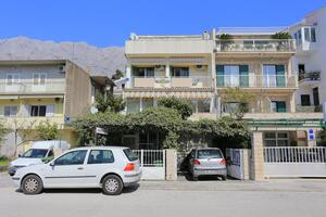 Apartments by the sea Makarska - 13222