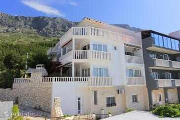 Lokva Rogoznica, Omiš, Property 13226 - Apartments near sea with pebble  beach.