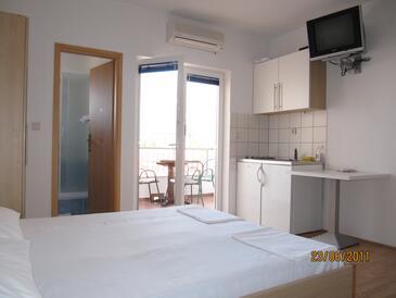 Gradac, Кухня в размещении типа studio-apartment, доступный кондиционер и WiFi.