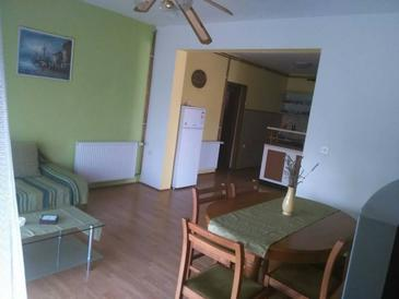 Pirovac, Living room in the apartment, WiFi.