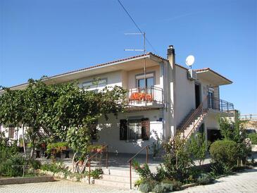 Pirovac, Šibenik, Property 13263 - Apartments with pebble beach.