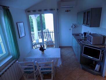 Zagore, Dining room in the studio-apartment, WiFi.