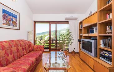 Opatija - Volosko, Obývací pokoj v ubytování typu apartment, dostupna klima, dopusteni kucni ljubimci i WIFI.