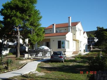 Brgulje, Molat, Property 13318 - Apartments by the sea.