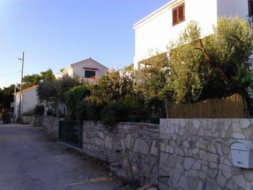 Rukavac, Vis, Property 13337 - Apartments with pebble beach.