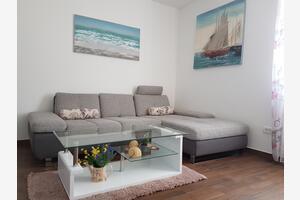 Apartments by the sea Kaštel Kambelovac (Kaštela) - 13349