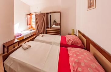 Pag, Bedroom in the room, (pet friendly) and WiFi.