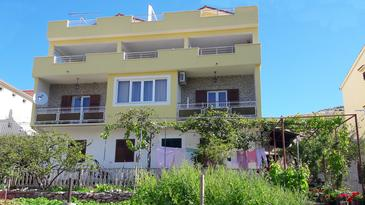 Grebaštica, Šibenik, Property 13365 - Apartments with pebble beach.